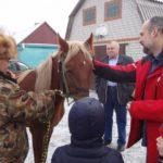 Семье из Долгоруковского района подарили Дюймовочку