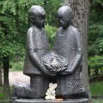 Возложили цветы к памятнику детям, погибшим в ВОВ